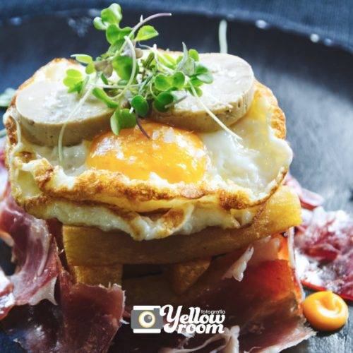 Huevos rotos Sentido's Gastrobar.